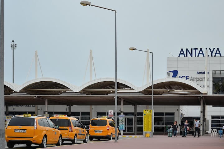 Taxi from Antalya airport to Alanya