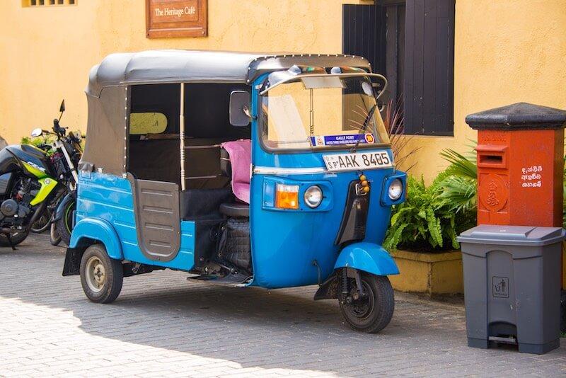 Такси из Коломбо в Хиккадуву
