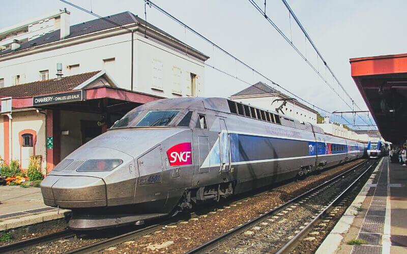 Train from Geneva to Les Arcs