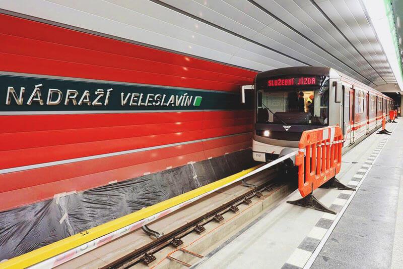 Nadrazi Veleslavin Station