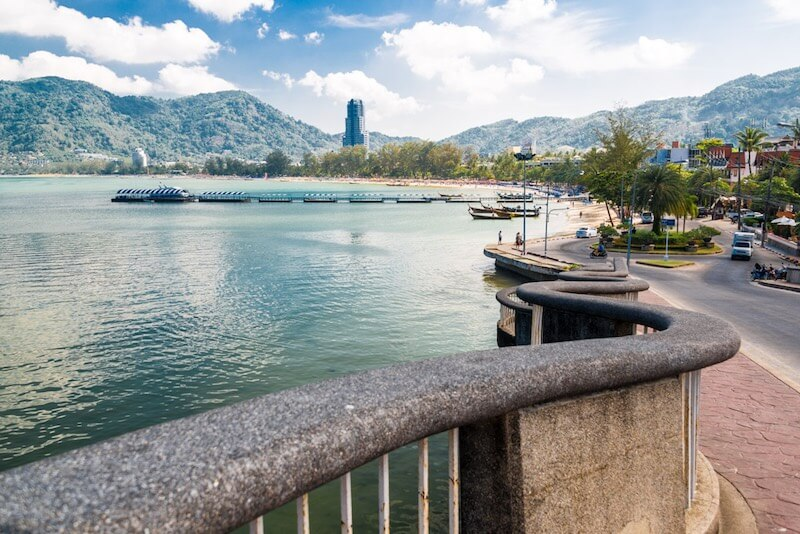 Cheap transfer from the airport in Phuket to Patong