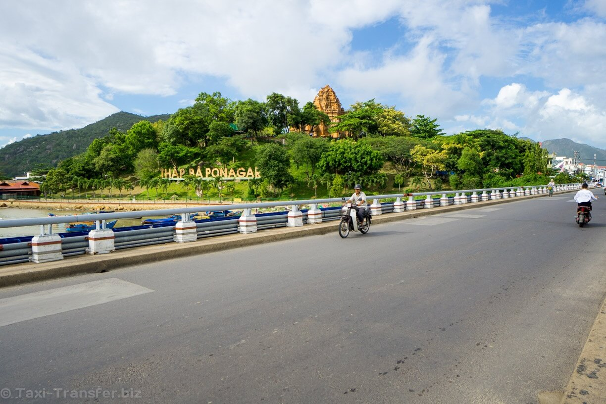 Photos - Ponagar temple Nha Trang bridge