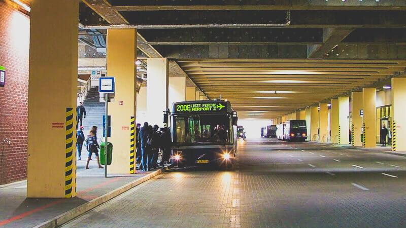 Bus 200e from Budapest to Heviz
